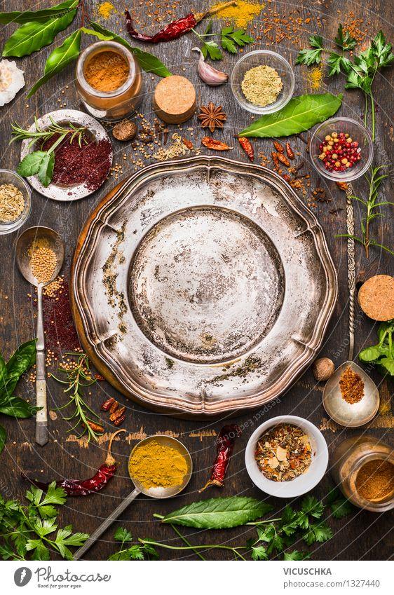 Orientalische Gewürze um den leeren Teller Gesunde Ernährung Leben Speise Stil Hintergrundbild Lifestyle Lebensmittel Design Tisch Kräuter & Gewürze Küche