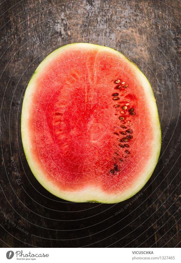 Hälfte der Wassermelone Natur Sommer Gesunde Ernährung rot Leben Essen Foodfotografie Stil Hintergrundbild Holz Lebensmittel Design Frucht frisch Tisch