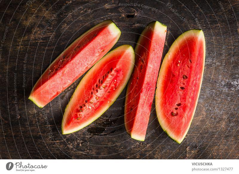 Reife Wassermelone Natur Sommer Gesunde Ernährung dunkel Leben Essen Stil Foodfotografie Garten Lebensmittel Frucht Design frisch Tisch Teile u. Stücke