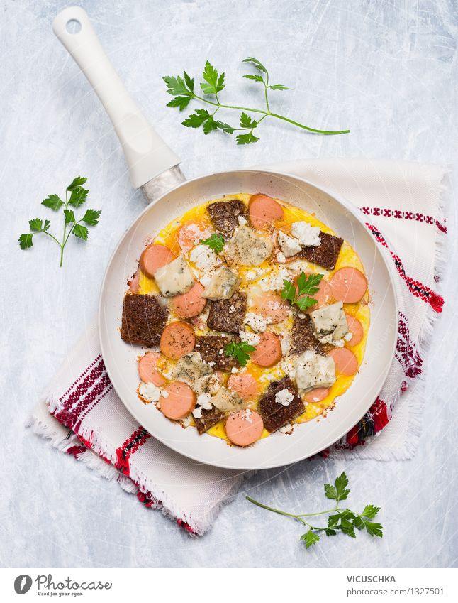 Omelett mit Würstchen, Brot und Käse Gesunde Ernährung gelb Stil Foodfotografie Lebensmittel Design Tisch Kochen & Garen & Backen Kräuter & Gewürze Küche