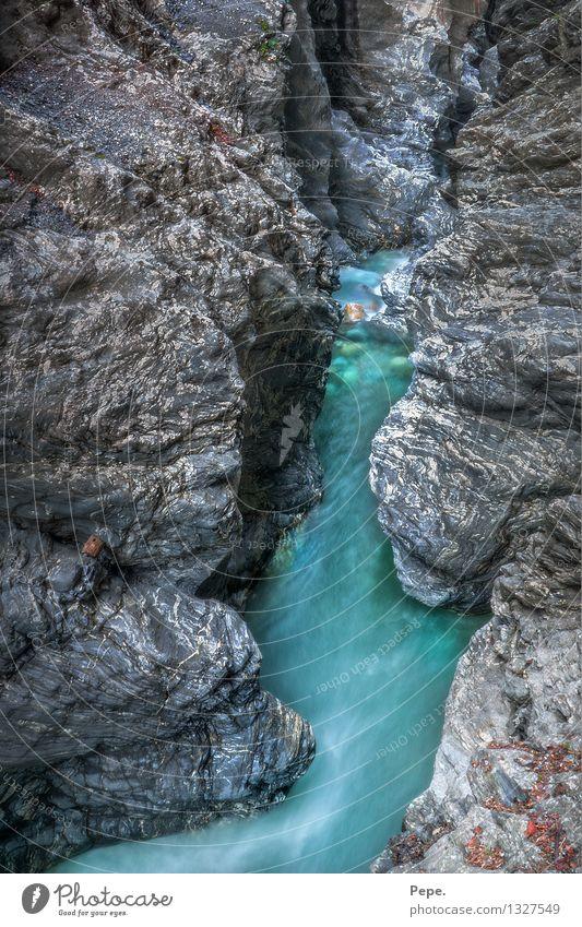 Klamm blau grün Stein nass Fluss türkis Bach Österreich Schlucht