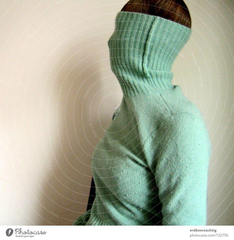 Aveugle II Rollkragenpullover Pullover Haarschopf anziehen Silhouette Profil Wand kalt blind Wunsch Wegsehen Körperhaltung Schwäche Haare & Frisuren Schatten
