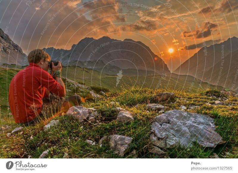 andächtig Umwelt Natur Landschaft Sonnenaufgang Sonnenuntergang Felsen Alpen Berge u. Gebirge Gipfel wandern orange Zufriedenheit rot Fotografieren Innsbruck