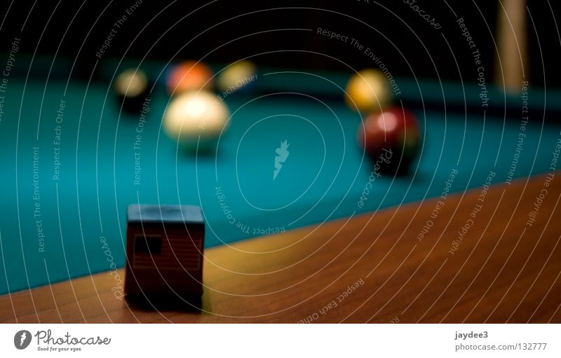 Queue Kreide Billard grün Unschärfe Freizeit & Hobby Spielen Kneipensport Tiefenunschärfe Makroaufnahme Nahaufnahme Kugel