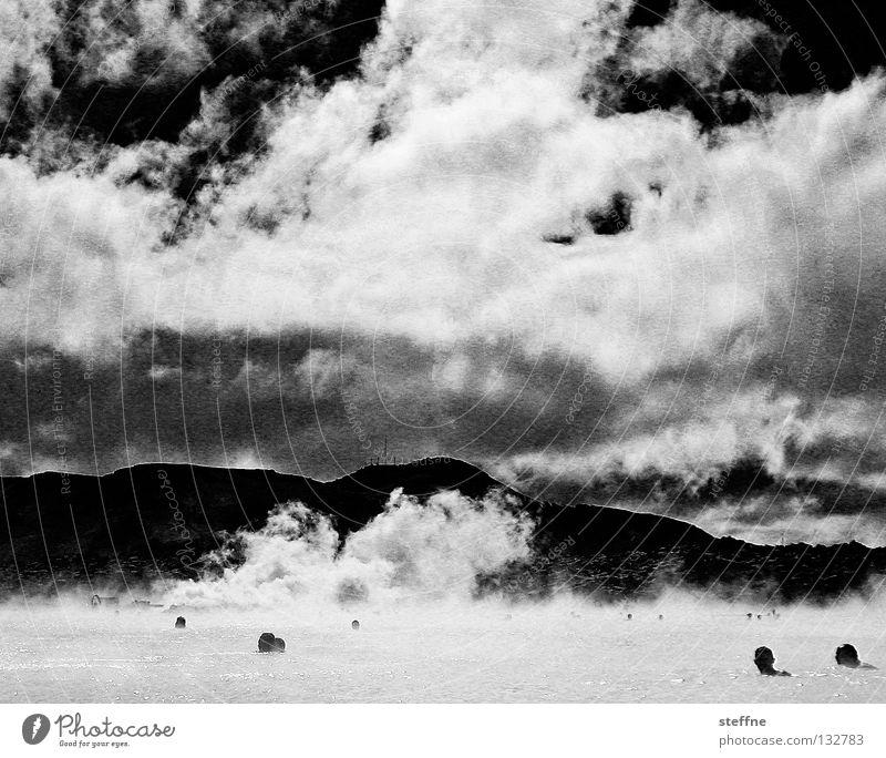 Abdampfen Blaue Lagune Island Erholung Stress schwarz weiß Rauch Wolken Physik angenehm Gesundheit Schwarzweißfoto Himmel Wasserdampf Dampfbad Schwimmen & Baden