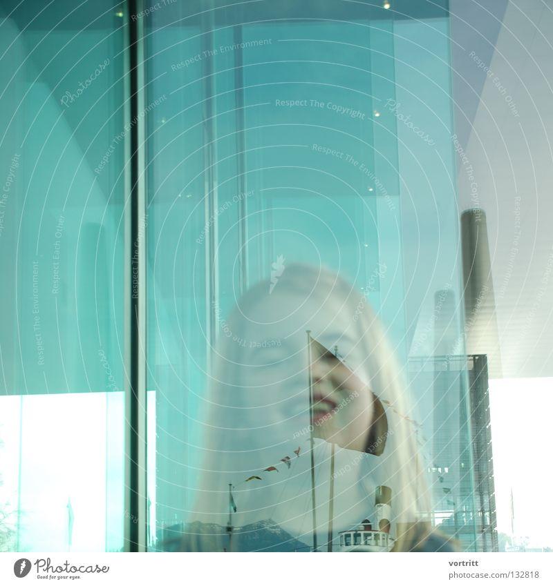 zwischenebene Kind Frau Mädchen Reflexion & Spiegelung Gebäude Kunst verdeckt Unschärfe grün Dach See Wasserfahrzeug Dampfschiff Porträt Nahaufnahme Freude