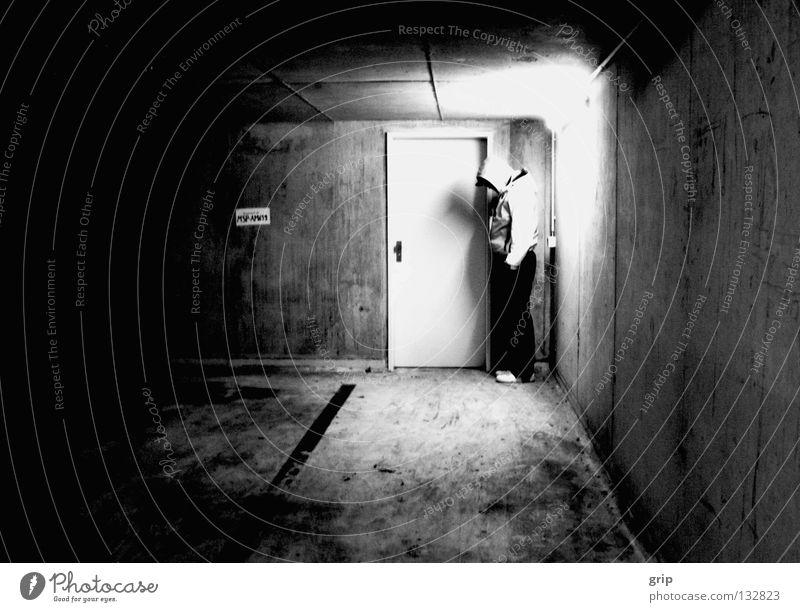 einsam2 Einsamkeit dunkel Gefühle Traurigkeit Angst Trauer Verzweiflung Panik Ausgrenzung