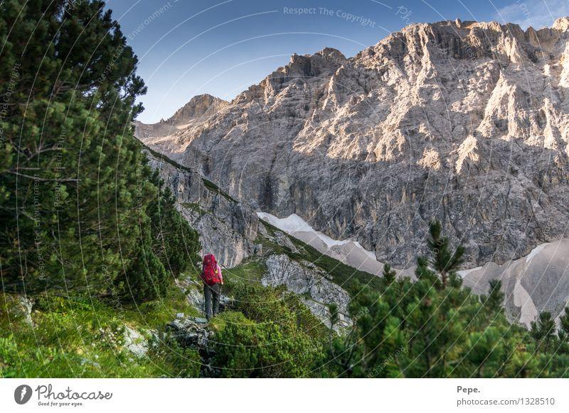 Wanderlust Natur Landschaft Wolkenloser Himmel Felsen Alpen Berge u. Gebirge Gipfel Zufriedenheit Respekt Sport wandern Rucksack Wege & Pfade Karwendelgebirge