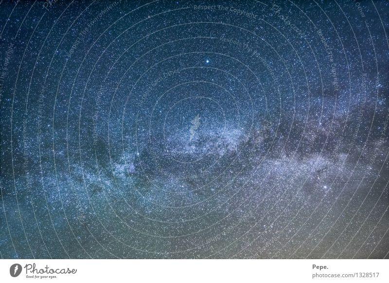 unendlich x 2 Himmel Nachthimmel Stern Freude Glück Fröhlichkeit Zufriedenheit Milchstrasse Weltall Planet blau violett Erde Außenaufnahme Panorama (Aussicht)