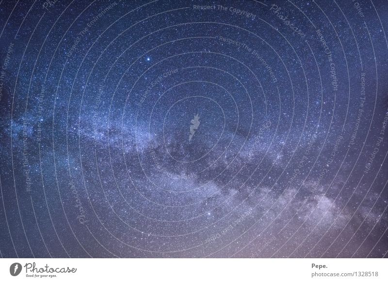 Unendlich Himmel Nachthimmel Stern blau violett Glück Zufriedenheit Milchstrasse Weltall Planet Panorama (Aussicht)