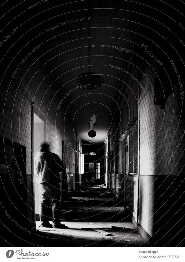 gestern und heute alt weiß Einsamkeit schwarz Gebäude Linie leer Perspektive Vergänglichkeit Fabrik verfallen Tapete Tunnel vergangen Gang Bürogebäude