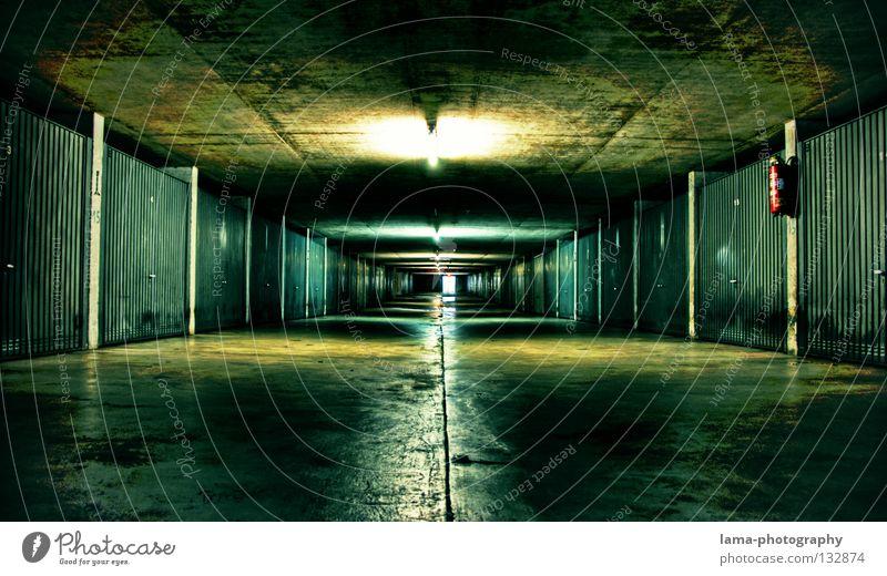 The Underground grün Einsamkeit Straße Lampe dunkel träumen Stimmung Raum Beleuchtung Angst planen nass Beton Zeit modern Filmindustrie