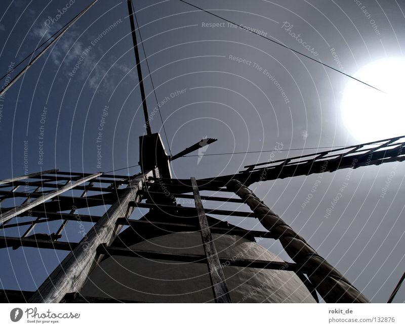 Don Quijottes Feind alt Sonne Wind verrückt Wüste Flügel verfallen Spanien drehen kämpfen durcheinander zerkleinern Windmühle Müller