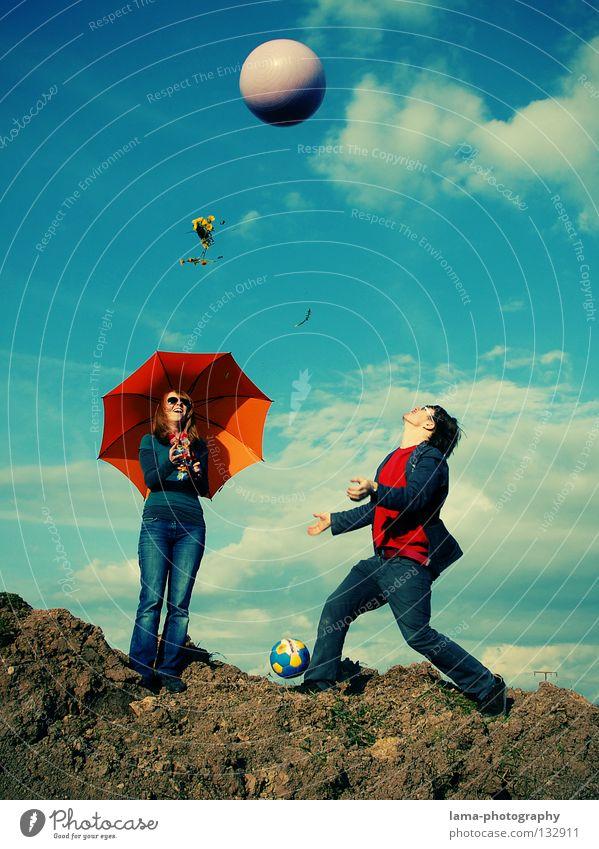 Unbeschwertheit Cloppenburg Regenschirm Sonnenschirm planen gehen leicht Leichtigkeit Schweben Wolken Mann Fallschirm Am Rand gefährlich Absturz Löwenzahn