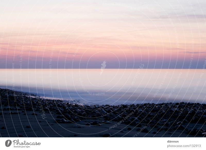 Open Water Strand Meer Rostock Langzeitbelichtung Dämmerung Abend violett Himmel ruhig Gelassenheit Unbekümmertheit weich Wasser blau Stein Ostsee baltic sea