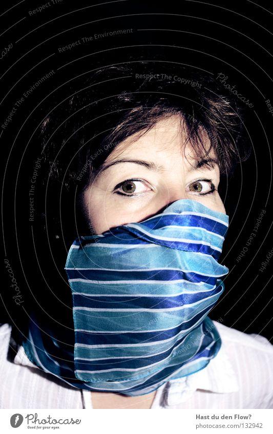 Banditin Mensch blau ruhig schwarz Auge dunkel Gefühle Haare & Frisuren träumen Angst Haut Neugier Maske verstecken böse Rauschmittel
