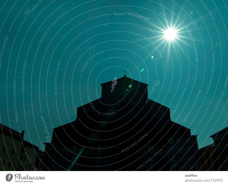 Götterdämmerung Himmel blau Ferien & Urlaub & Reisen Stadt Sonne schwarz Religion & Glaube Rücken Stern Platz Stern (Symbol) Italien Skyline heilig Gott Tourist