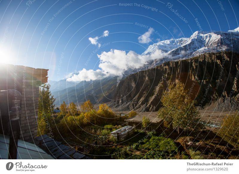 Gebirge Umwelt Natur Landschaft blau braun gelb gold grau grün orange schwarz Nepal wandern Berge u. Gebirge Wolken Schnee Baum Hütte Haus Häusliches Leben
