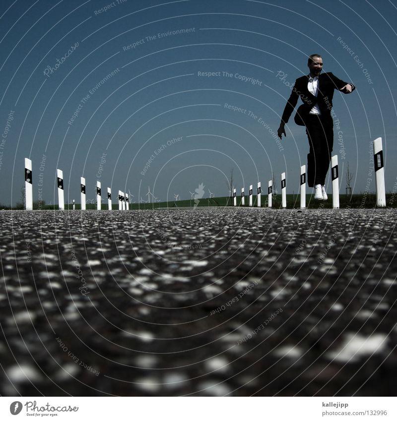 achtung wildwechsel Mensch Himmel Mann Freude schwarz Leben Gras Glück springen Business Arbeit & Erwerbstätigkeit Kraft Tanzen laufen Energiewirtschaft Verkehr