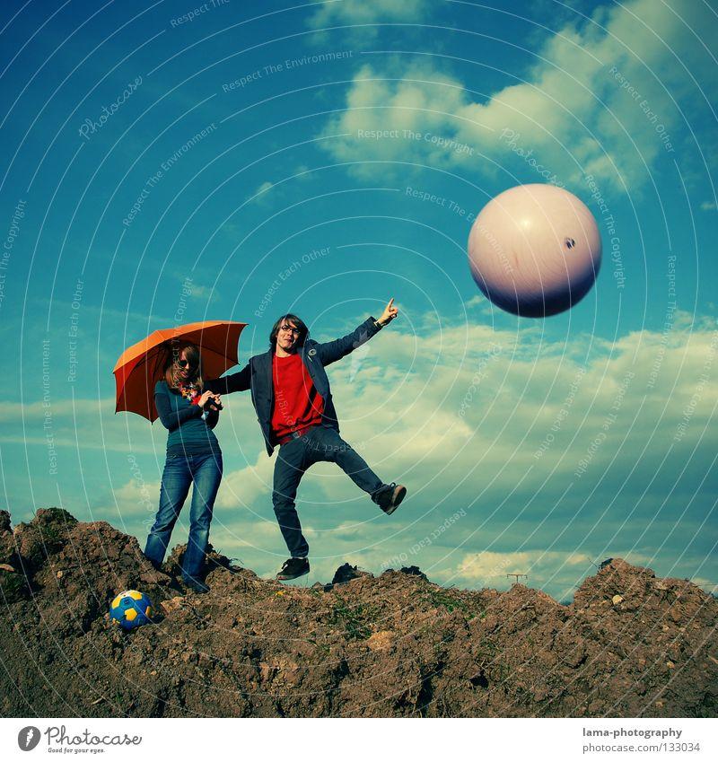 Square Dance Frau Himmel Mann Natur Freude Sommer Wolken Spielen Berge u. Gebirge springen Paar hell orange Erde gehen laufen