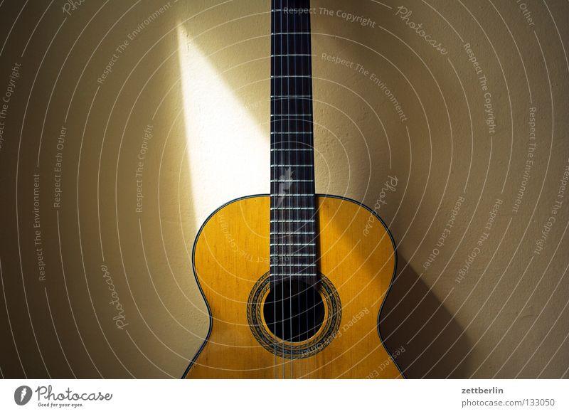 Alte Gitarre Ferien & Urlaub & Reisen Holz Stimmung Musik Freizeit & Hobby Romantik Länder fangen Konzert Steg Spanien Lautsprecher Hals Musikinstrument Griff