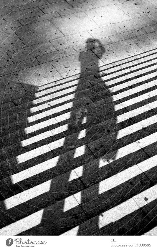 porto / gruß nach hause Freizeit & Hobby Fotografieren Mensch 1 Treppe stehen Schattenspiel Schwarzweißfoto Außenaufnahme Tag Licht