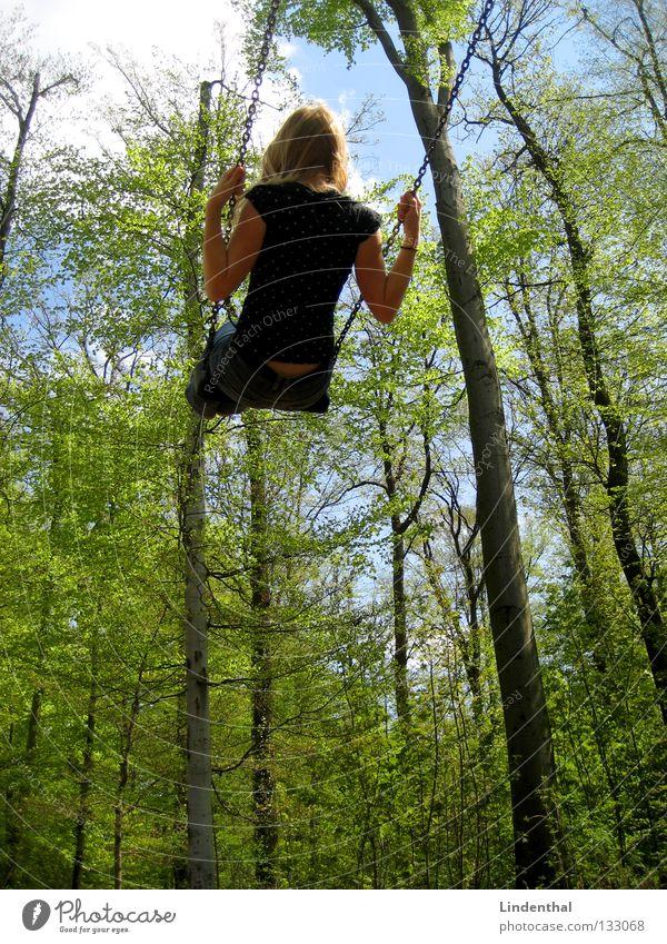 Himmelsschaukel Frau Sommer Freude Ferne Frühling Seil hoch Kette Schaukel Spielplatz Schwung