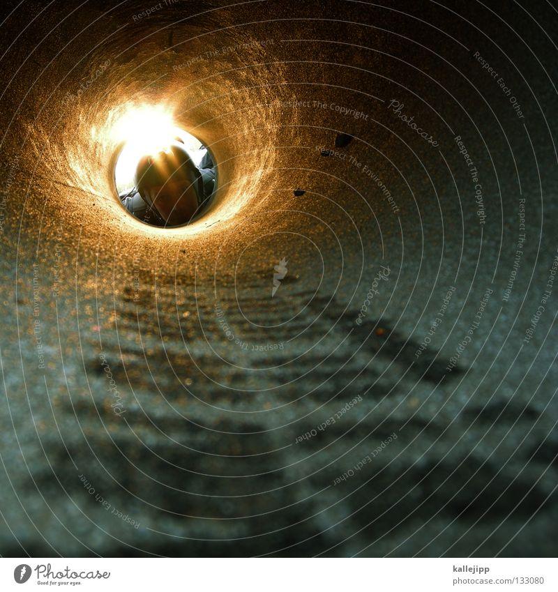 kanale grande Mensch Mann Lampe Arbeit & Erwerbstätigkeit dreckig Kabel Baustelle Netz Verbindung Loch Röhren eng Arbeiter forschen Handwerker Abwasserkanal
