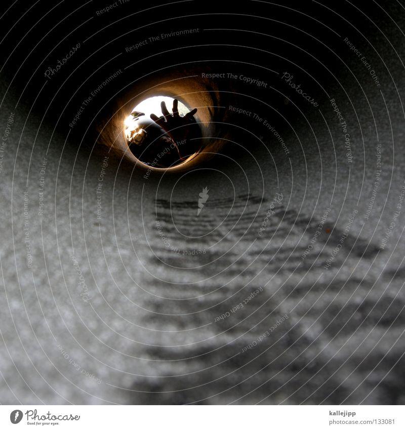 verstopfung Mensch Mann Lampe Arbeit & Erwerbstätigkeit dreckig Kabel Baustelle Netz Verbindung Loch Röhren eng Arbeiter forschen Abwasserkanal Abwasser