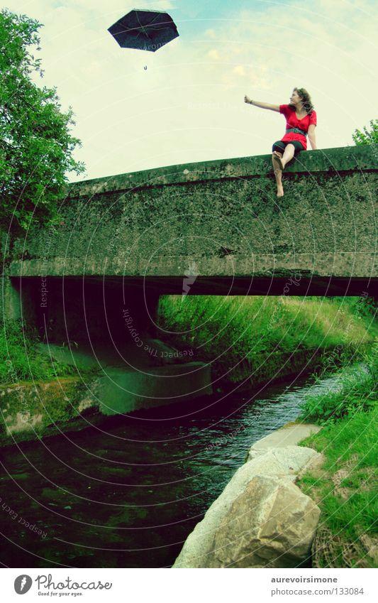 adieu grün rot Sommer Farbe Brücke retro Regenschirm Bach Wetterschutz