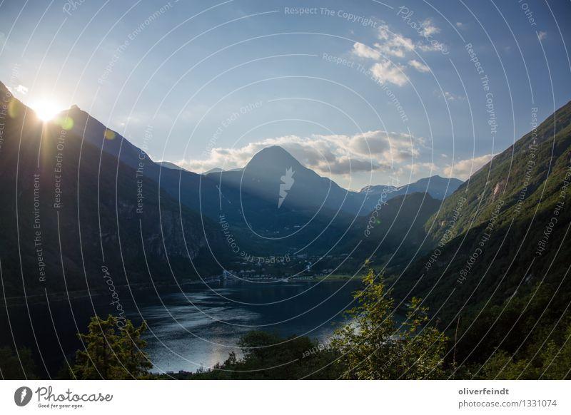Norwegen XI - Geiranger Himmel Natur Ferien & Urlaub & Reisen schön Sommer Sonne Meer Landschaft Wolken Ferne Berge u. Gebirge Umwelt Küste Freiheit Felsen Horizont