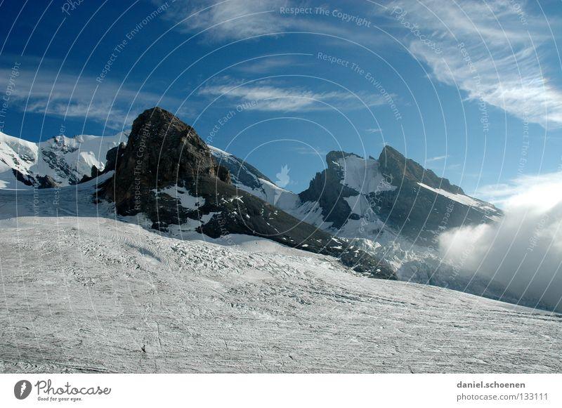über`n Gletscher Himmel weiß Sonne Wolken schwarz Berge u. Gebirge Schnee grau Stein Freizeit & Hobby Eis Wetter Aussicht gefährlich bedrohlich Gipfel