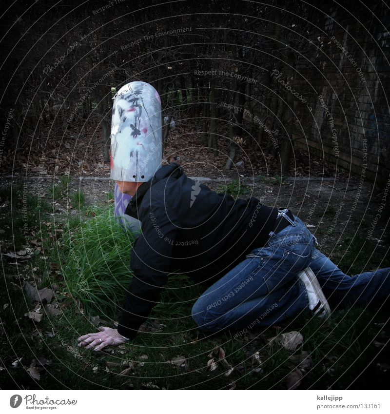 wasserschutzpolizei Gedanke Lüftung kopflos blind Denken Brainstorming Mann Mensch Witz lustig Idee Kreativität Versteck Schutz Röhren Gehirnwäsche Spaßvogel