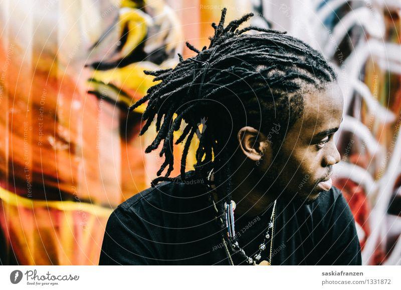 He's got a vision. Mensch Jugendliche Junger Mann 18-30 Jahre Erwachsene Leben Graffiti Haare & Frisuren Lifestyle Kunst Mode orange maskulin Kultur Coolness trendy
