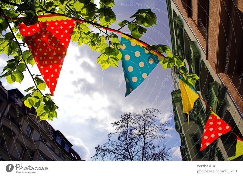 Maifeier Sonne Freude Wolken Feste & Feiern Wind Dekoration & Verzierung Fahne Club Schmuck wehen Wiedervereinigung Girlande