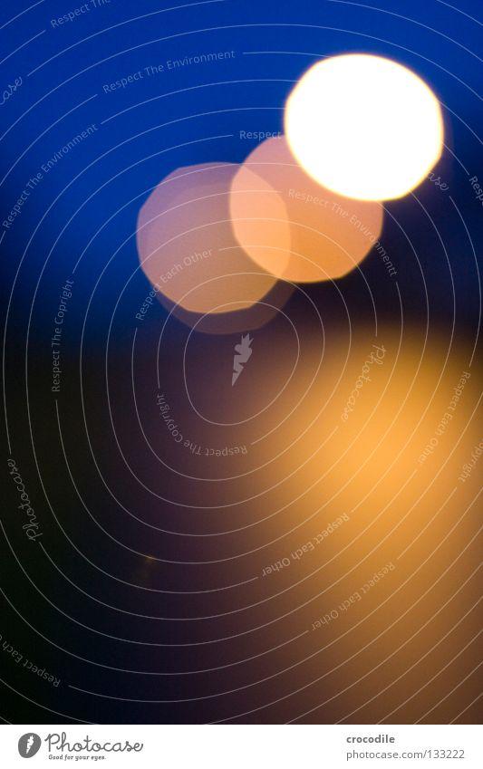 bokeh Unschärfe Kreis rund Licht Lampe Nacht gelb schwarz dunkel unheimlich 3 Farbe schön deunkel Abend Dämmerung Außenaufnahme