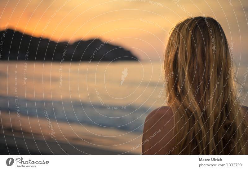 Blonder Sonnenuntergang Mensch Jugendliche schön Sommer Wasser Junge Frau Meer Strand 18-30 Jahre Erwachsene natürlich feminin Küste Haare & Frisuren Kopf Stimmung