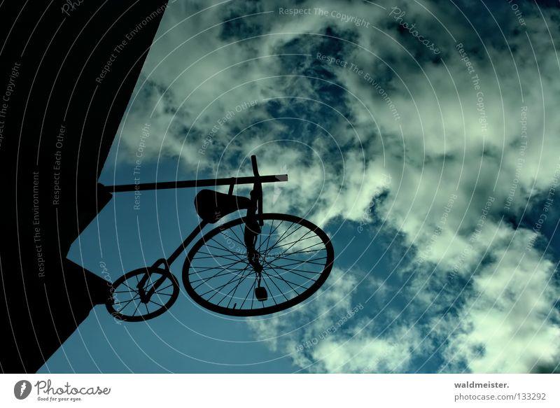 Le vélocipède bicycle Haus Wand Fahrrad historisch Oldtimer Kinderfahrrad