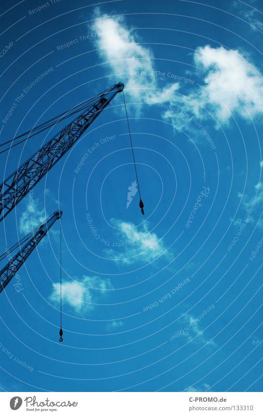 Kran 13 hatte einen Plan... Himmel blau Wolken 2 Kraft Kraft paarweise Kran heben Haken Hafenkran