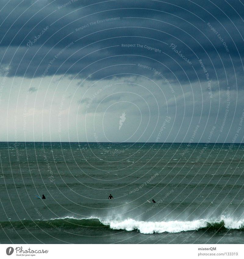 WAITING. Himmel Sommer Meer ruhig dunkel kalt Freiheit Erde Regen Freizeit & Hobby frei Wellen warten gefährlich Zukunft bedrohlich