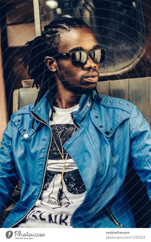 Reflections Lifestyle Stil Mensch maskulin Junger Mann Jugendliche Erwachsene Leben 1 18-30 Jahre Mode Bekleidung Haare & Frisuren schwarzhaarig Rastalocken