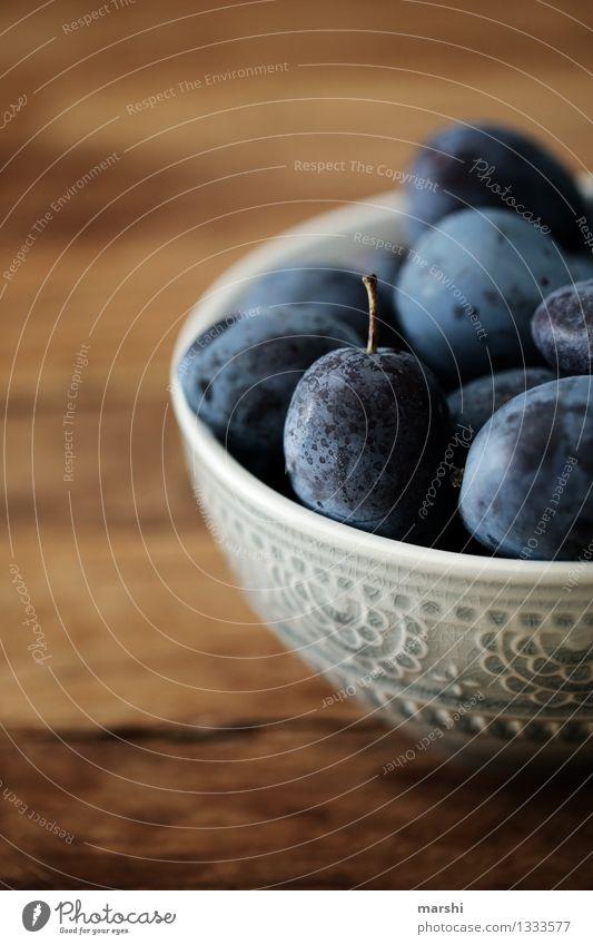 Zwetschgenzeit Lebensmittel Frucht Ernährung Essen Stimmung Pflaume Herbst Schalen & Schüsseln Foodfotografie Unschärfe lecker Appetit & Hunger geschmackvoll