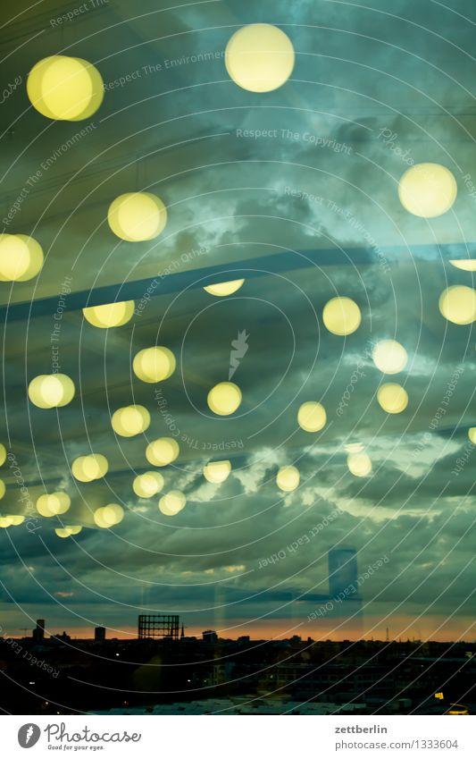 Schöneberg again Stadt Sonne Wolken Ferne Herbst Beleuchtung Berlin Horizont Wetter Textfreiraum Hochhaus Aussicht Hauptstadt Abenddämmerung Fensterblick