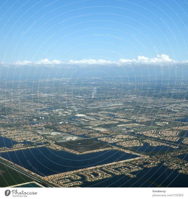 maverick Stadt Miami Infrastruktur Wohnsiedlung bebauen Flugzeug Himmel Wolken Verkehrswege USA Straße Netz strassennetz besiedelung Strukturen & Formen sky
