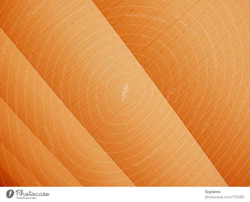 Verzweiflungstat 02 Fenster orange Kot Lamelle Sichtschutz