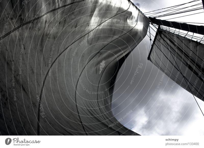 Segel auf! Himmel Wasser Ferien & Urlaub & Reisen Meer Wolken schwarz dunkel Wasserfahrzeug Beleuchtung Wind Angst dreckig hoch groß Seil Kraft