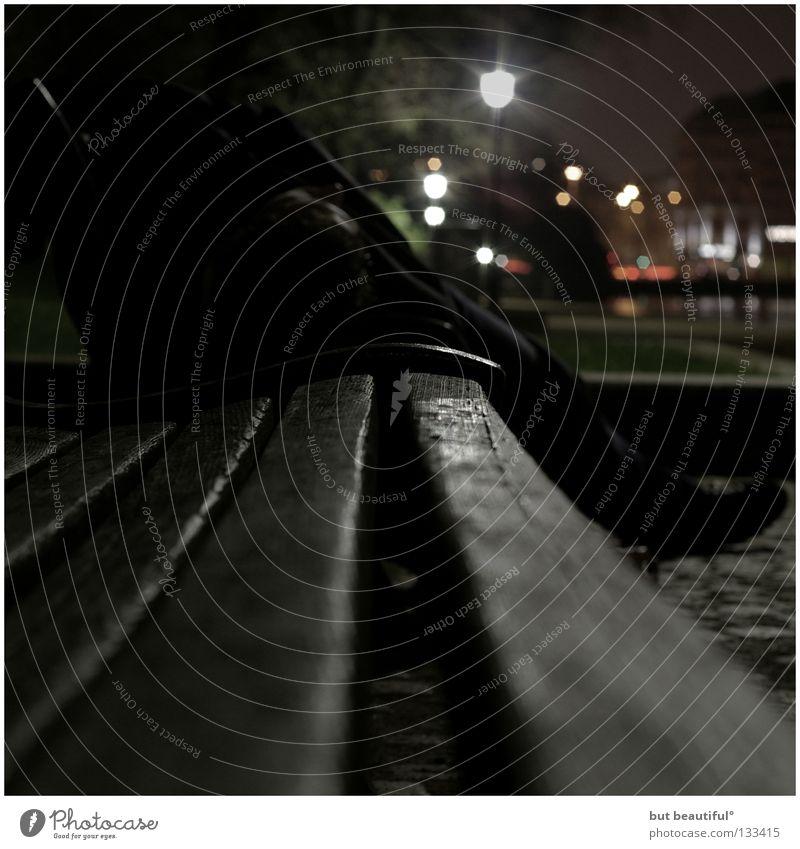 perspective° Bettler Obdachlose Alster schlafen Bank Licht Park obdachlos Nachtaufnahme zeitlos Verkehrswege Alkohol Hamburg
