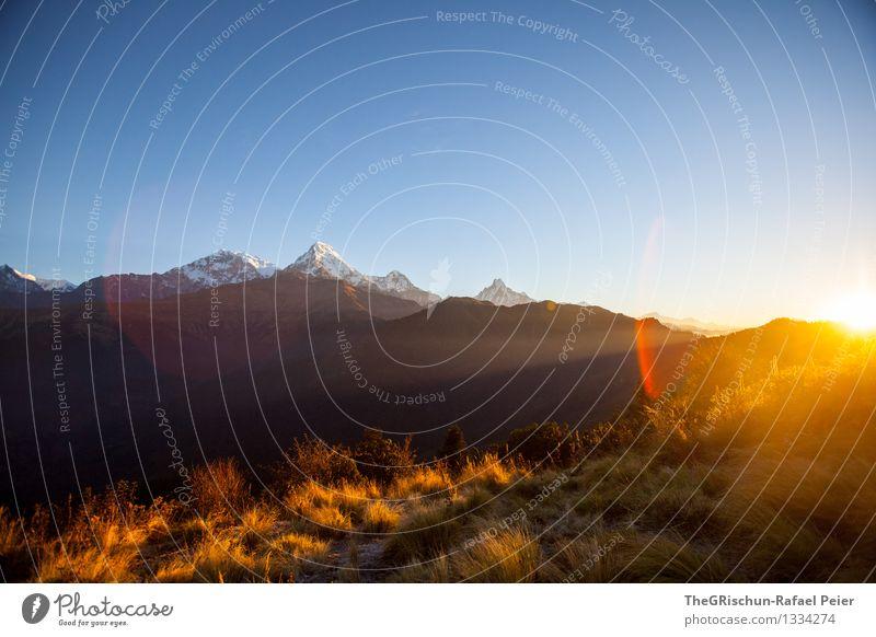 Sonnenaufgang am Poon Hill Umwelt Natur Landschaft blau braun gelb gold grau orange schwarz weiß scheinend Licht Lichtstrahl Sonnenstrahlen Berge u. Gebirge