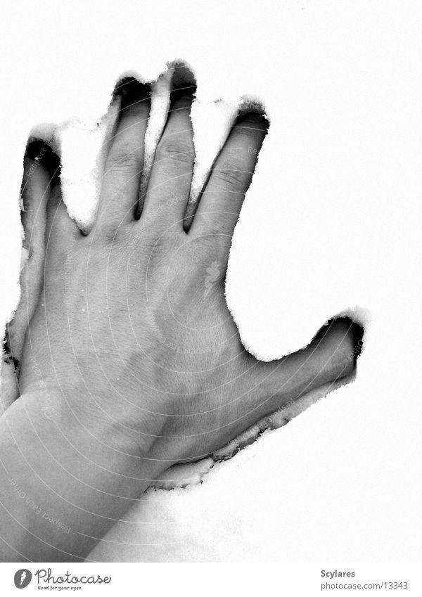 Durchbruch Hand Wand kalt brechen Mensch Schnee Druck