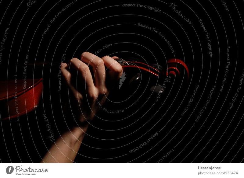 Hand 27 Hand dunkel schwarz Gefühle Spielen Kunst Freizeit & Hobby Musik Arme Elektrizität Finger Hoffnung Leidenschaft Konzentration fangen Saite